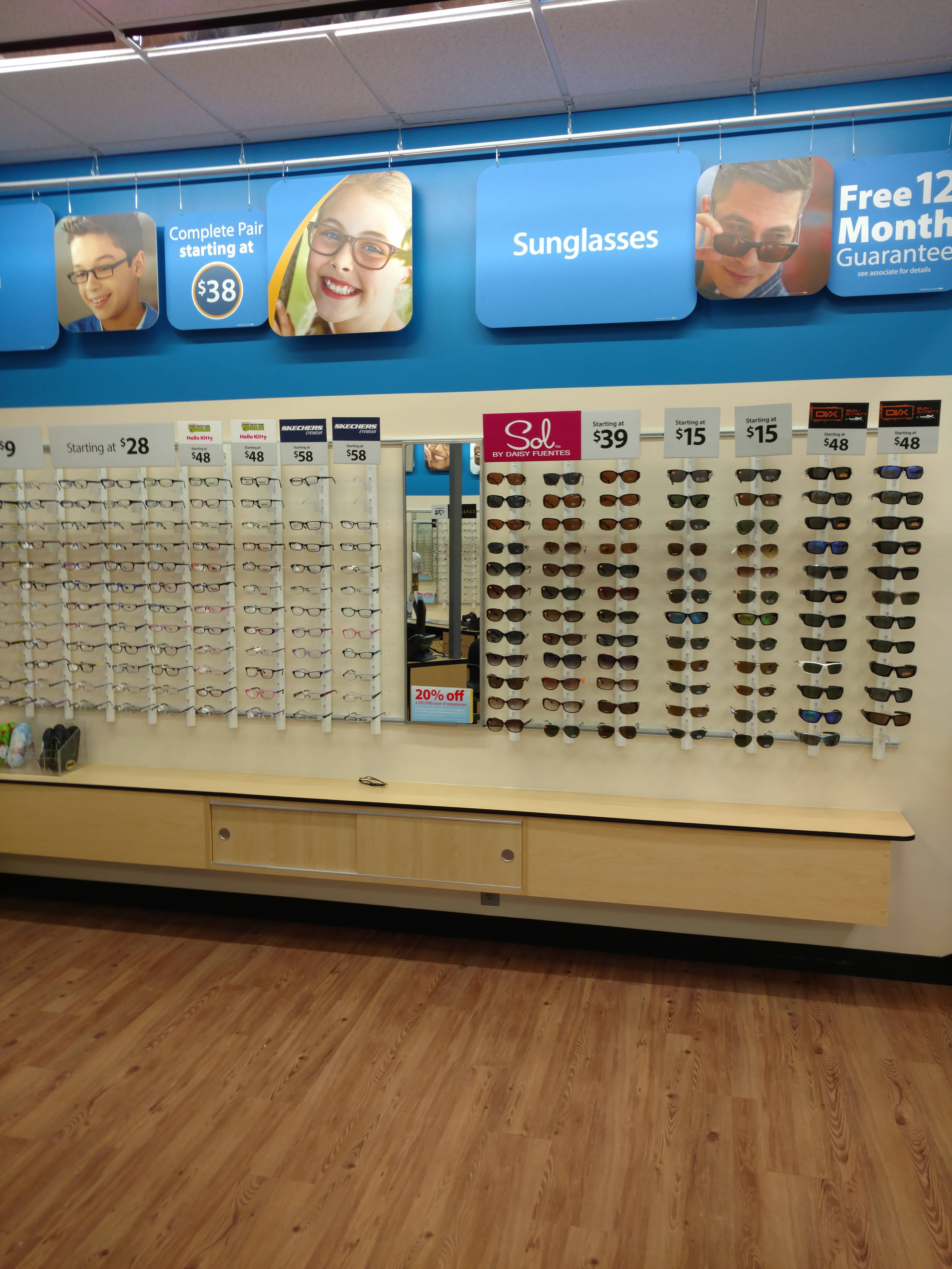 Risk-Optometric-Associates-vision-correction-in-Fayetteville-at-eye-doctors-office-on-Gillespie